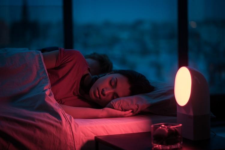 Το νυχτερινό φωτάκι πιθανό να οδηγεί σε αύξηση βάρους.