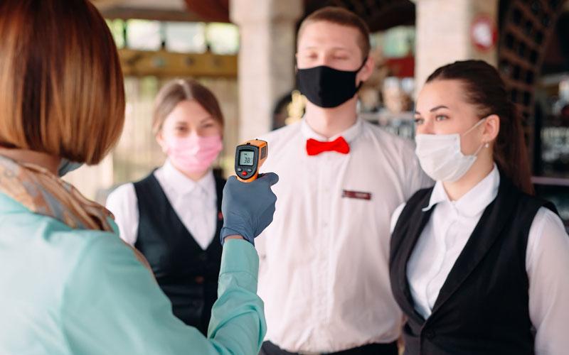 Άνοιγμα καταστημάτων εστίασης: Απόσταση, μάσκα και άγχος για την… επόμενη μέρα