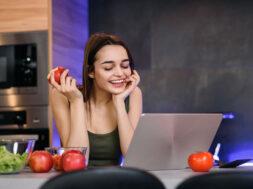 STUDENT-HEALTH-FOOD