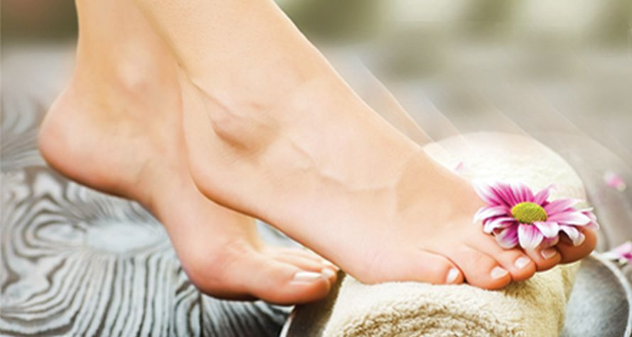 7 τρόποι για να διατηρήσετε τα πόδια σας όμορφα και υγιή όλο το καλοκαίρι