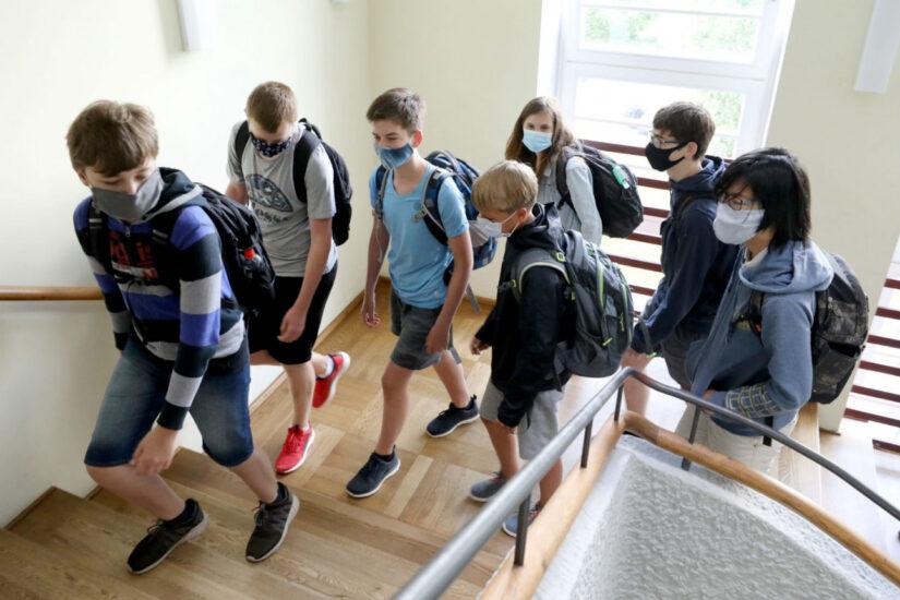 Με αυστηρά μέτρα το άνοιγμα των σχολείων στη Γερμανία