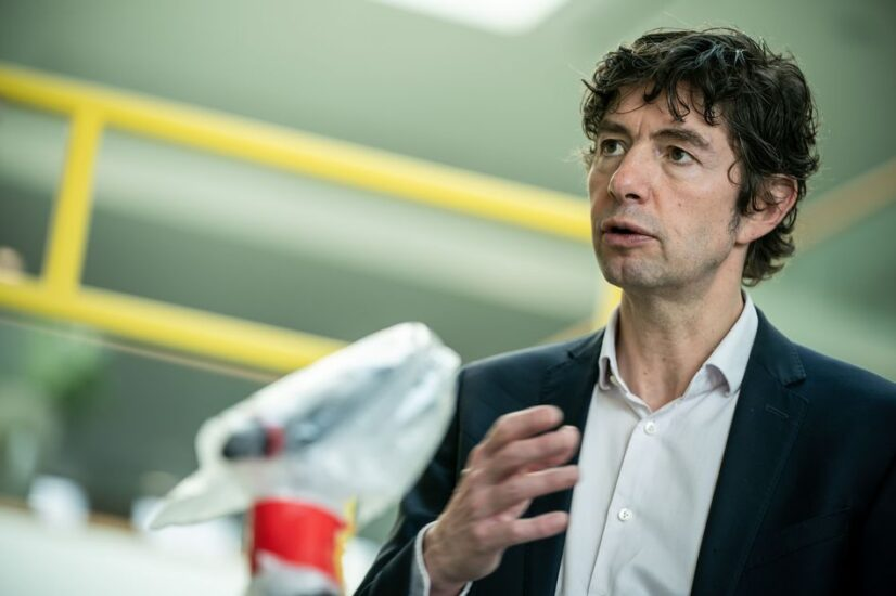 Διεθνούς φήμης Γερμανός ιολόγος μιλά για τους επόμενους μήνες της πανδημίας