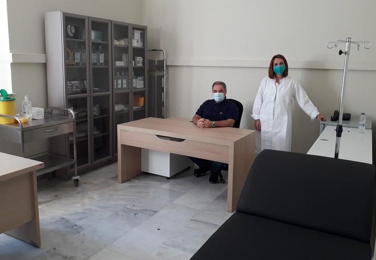 ΠΕΦ: Δωρεά ιατρικού εξοπλισμού και φαρμάκων στα κοινωνικά ιατρεία