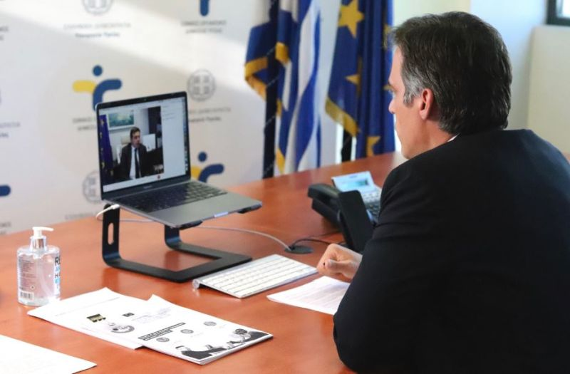 Τηλεδιάσκεψη του Επιτρόπου της Ευρωπαϊκής Επιτροπής κ. Σχοινά με τον πρόεδρο του ΕΟΔΥ