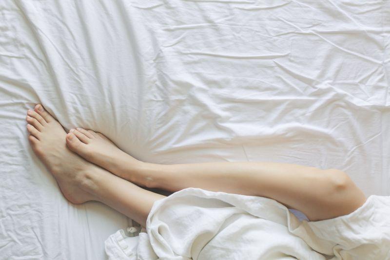 Οι σωστοί τρόποι ενυδάτωσης για την ξηροδερμία στα πόδια