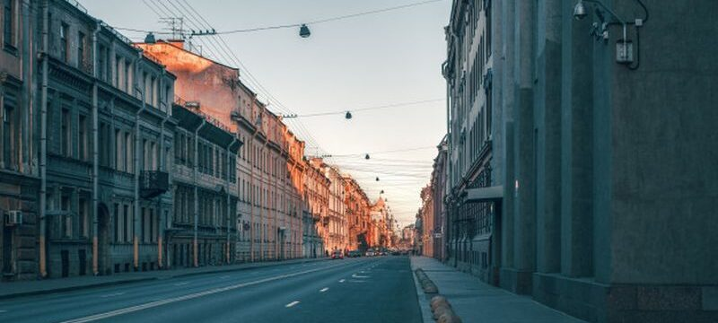 street-historical-center-st-petersburg-empty-city-without-people_158388-2727