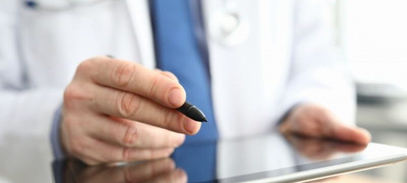 doctor-making-notes-graphics-tablet-close-up_151013-13968