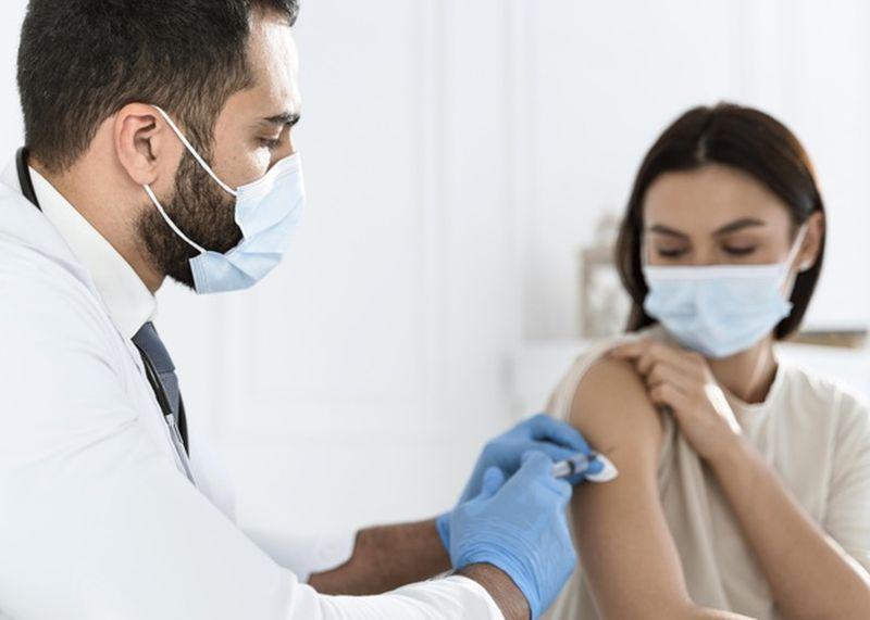 Άνοιξε η πλατφόρμα εμβολιασμού για τις ηλικίες 40-44