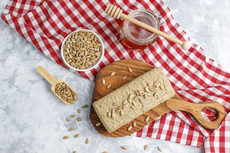 Χαλβάς από ταχίνι: Όταν η γλυκιά, παραδοσιακή γεύση συναντά την υγιεινή διατροφή!