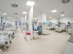 modern-empty-temporary-intensive-care-emergency-room-is-ready-receive-patients-with-coronavirus-infection_133994-3530