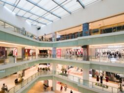 abstract-blur-defocused-shopping-mall-department-store-interior_1112-5203