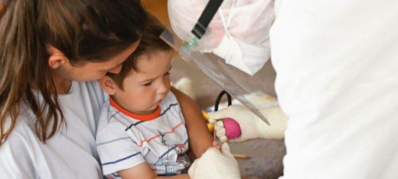 close-up-child-donating-blood-analysis_96872-3249