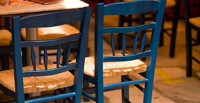 empty-restaurant-chairs-athens-greece_19485-29497
