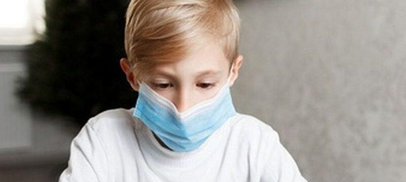 boy-medical-mask-online-training-quarantine_320071-259