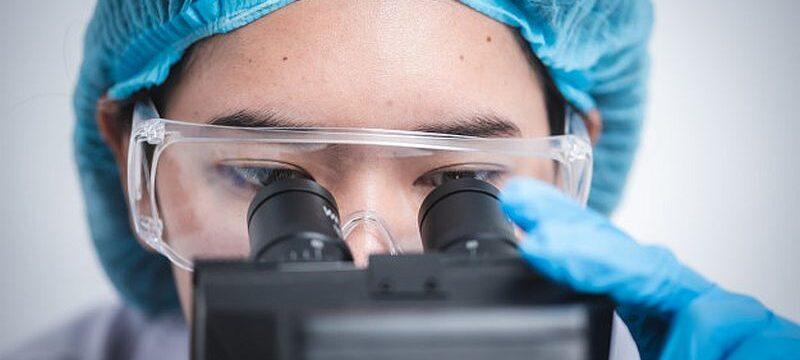 microscope-using-laboratory-science-technology_33755-7956