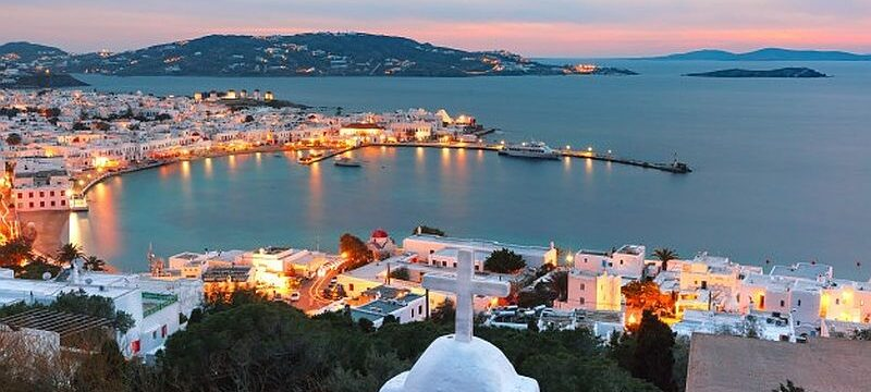 mykonos-city-chora-island-mykonos-greece_218319-568