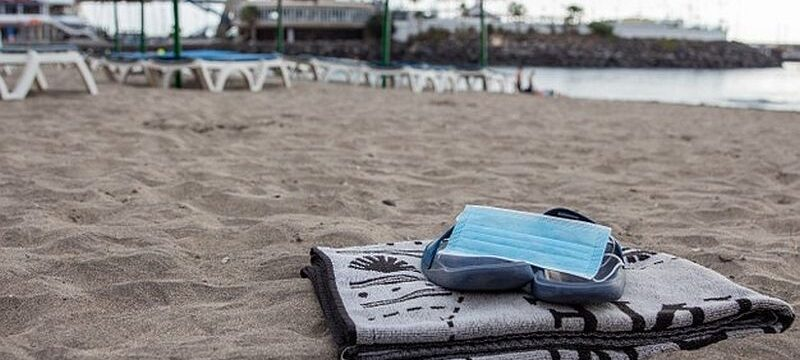 surgical-mask-flip-flops-towel-beach-new-normality-beach-social-distancing-protective-mask_404612-80 (2)