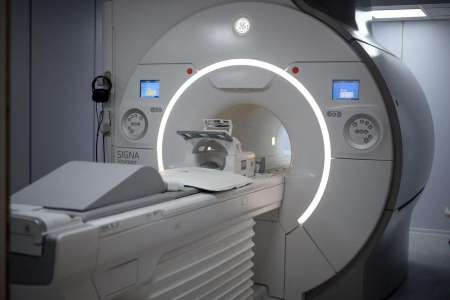 Βιοϊατρική και GE Healthcare φέρνουν τον πρώτο μαγνητικό τομογράφο 1.5T με τεχνολογία AIR και τεχνητή νοημοσύνη