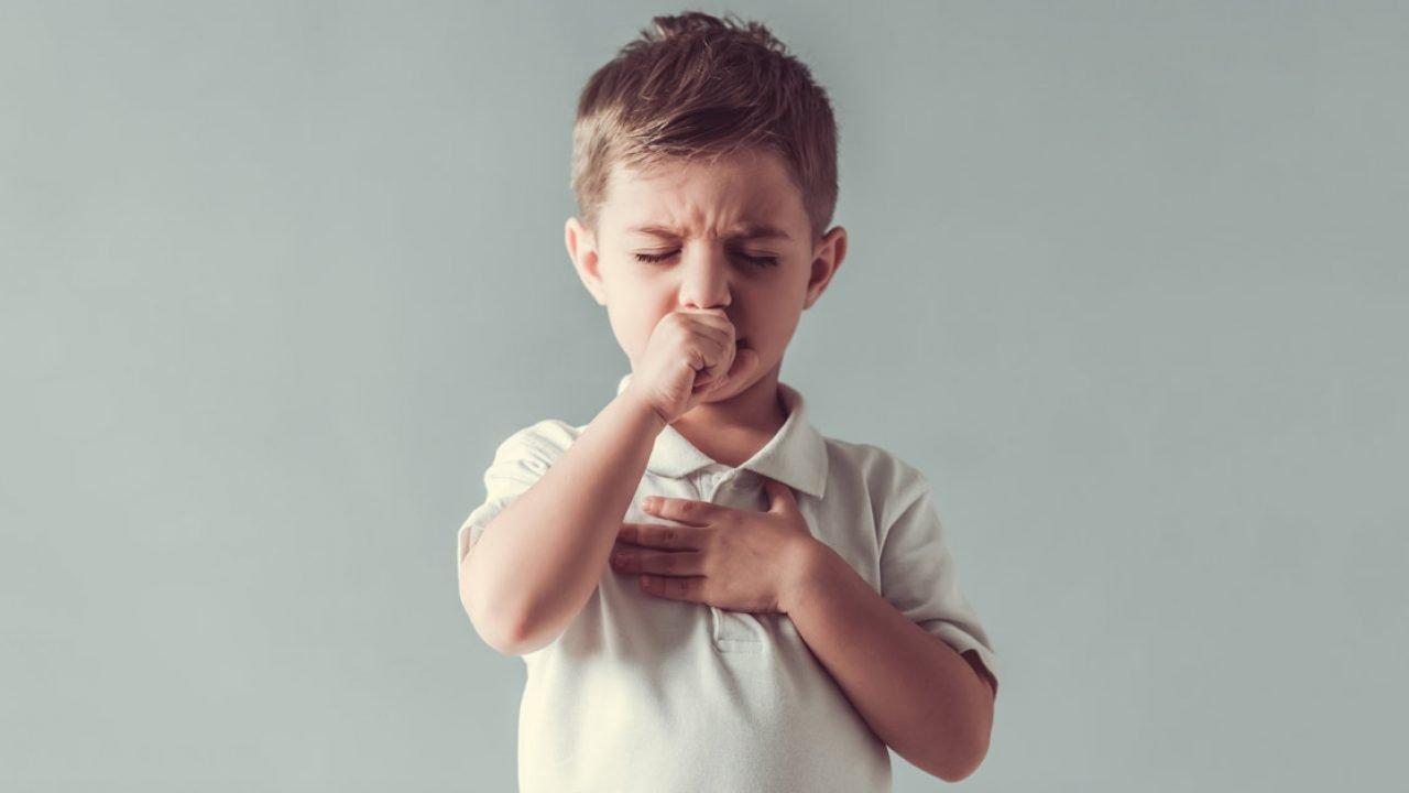 Αλλεργικός βήχας στα παιδιά: Πώς θα τον αντιμετωπίσετε